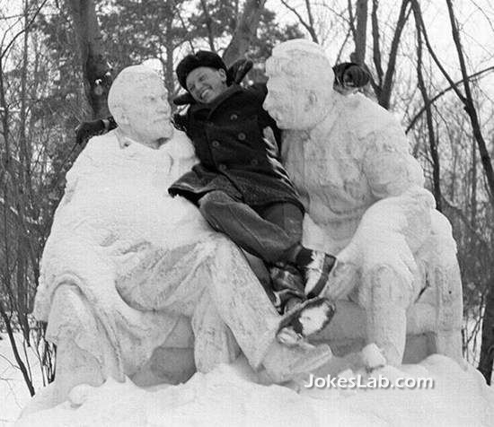 funny statue photo, count Japanese in