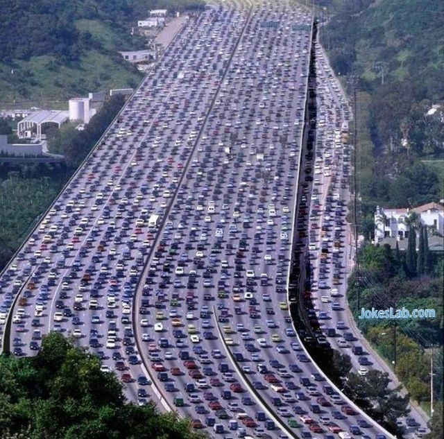 funny expressway parking, only seen in USA and China
