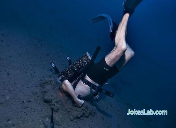 funny diving in the mud